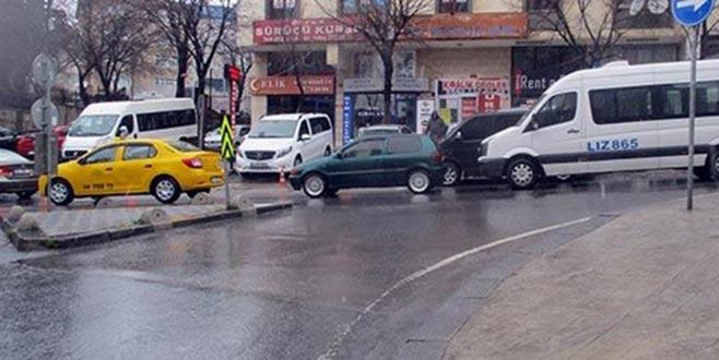 Taksi sürücüsünü döverek öldürdüler