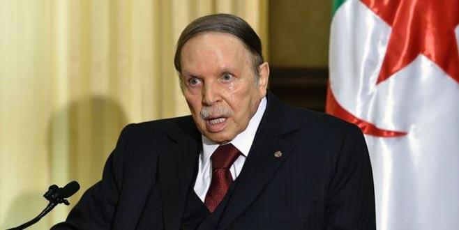 Cezayir Genelkurmay Başkanı, Buteflika'nın istifasını istedi