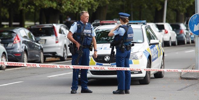 Yeni Zelanda polisinden 'camilerin kapılarını kapatın' uyarısı