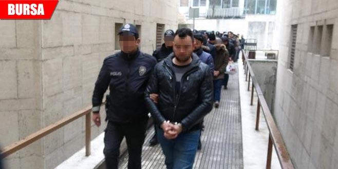 FETÖ operasyonunda gözaltına alınan 25 şüpheli adliyede