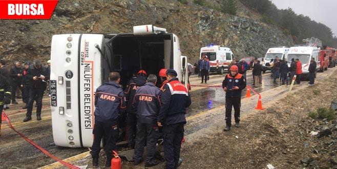 Cenaze yolunda kaza: Yaralılar var