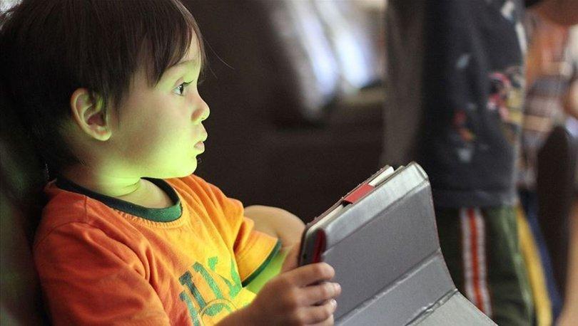 'Duygusal boşluk içindeki çocuk sanal bağımlılıklara yöneliyor'