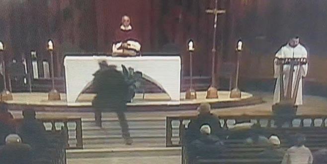 Rahibe saldırdı