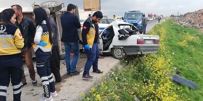 Yerinden kopan römork kazaya sebep oldu: 2 ölü, 5 yaralı