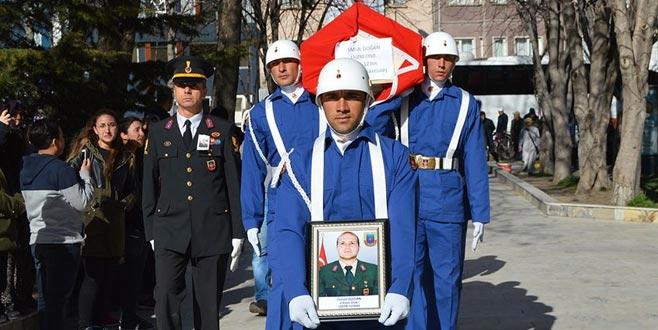 Kazada hayatını kaybeden komandoya son görev