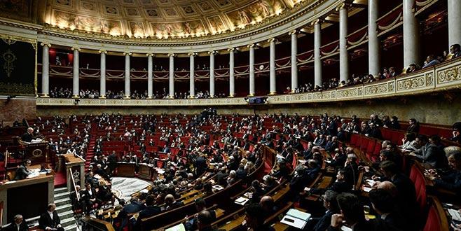 Fransa'nın başkeniti Paris'te tarihi gün