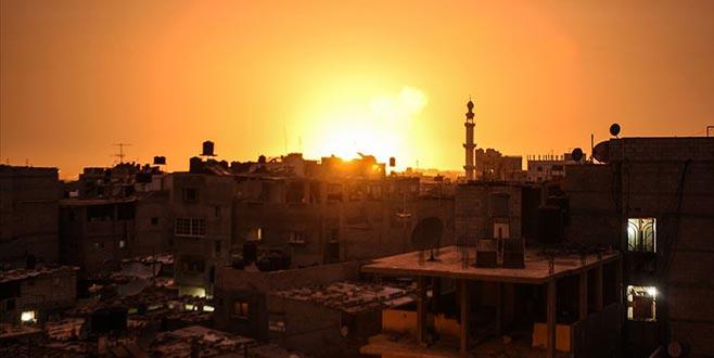 İsrail jetleri Gazze'ye saldırıyor