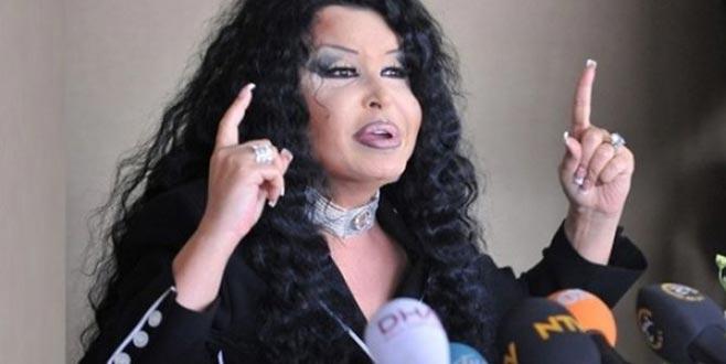Çılgına döndü! Ünlü şarkıcının eski fotoğraflarını ifşa etti