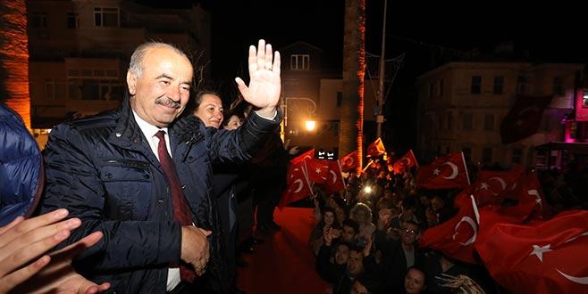 Türkyılmaz zaferi Mudanyalılarla kutladı