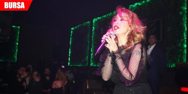 Konser ücretini alarak sahneye çıkmayan şarkıcıya kötü haber!