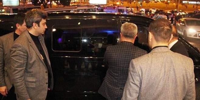 Kılıçdaroğlu minibüste kilitli kaldı