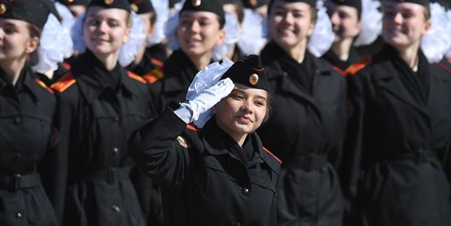 9 Mayıs askeri geçit töreni provası