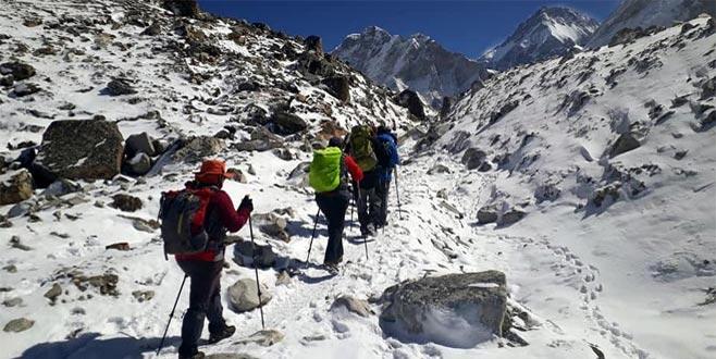 An be an aktardı! Bursalı dağcıların Everest yolculuğu