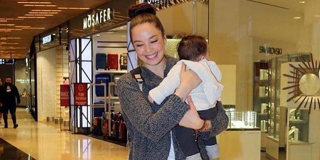 Bebeğiyle gezmede