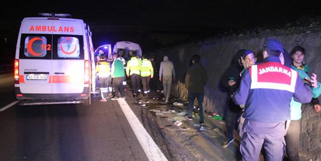 Bursaspor taraftarlarını taşıyan minibüs kaza yaptı: Yaralılar var