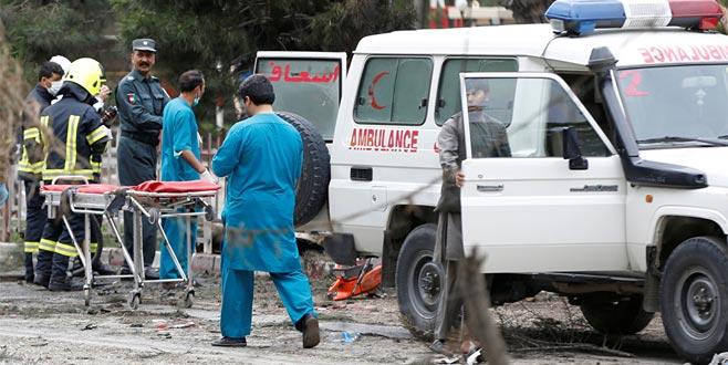 Kabil'de bakanlık yakınında patlama