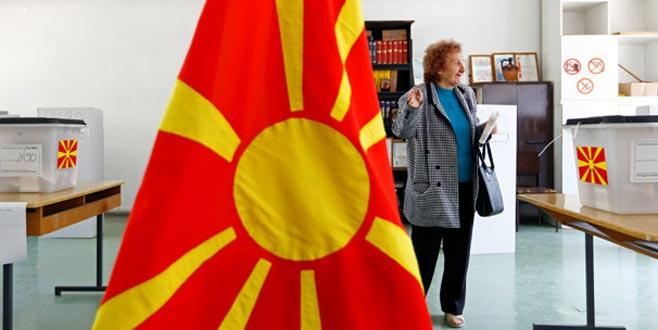 Kuzey Makedonya'da Pendarovski ve Davkova ikinci tura kaldı