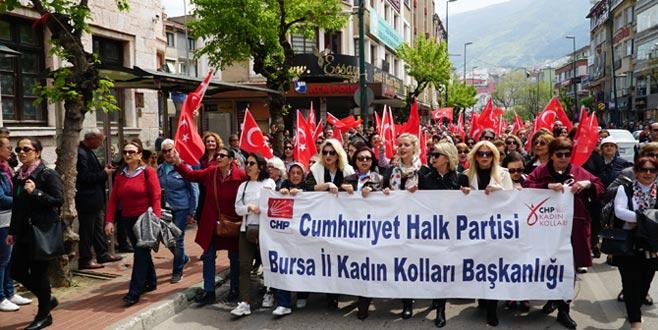 CHP'liler 23 Nisan için yürüdü