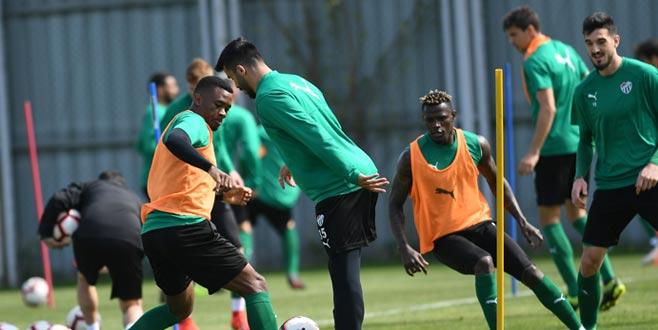 Bursaspor'da Akhisarspor maçı hazırlıkları sürüyor