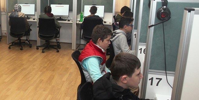 Türkçe e-sınav pilot uygulaması başladı