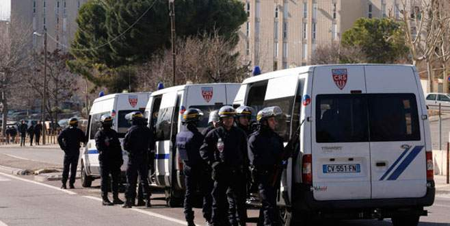 Fransa'da polise yeni saldırı