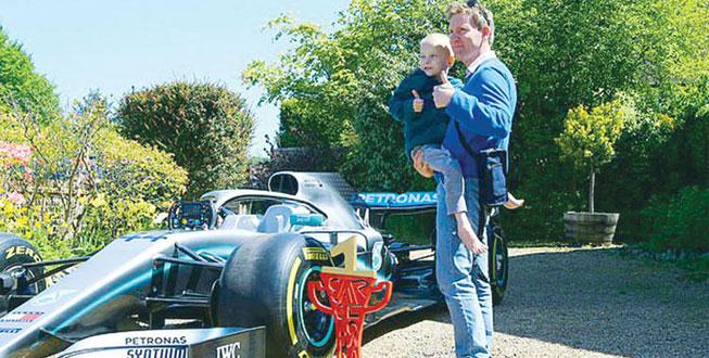 Şans meleğine F1 aracı yolladı