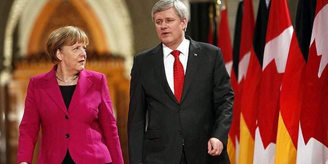 Merkel Kanada'da