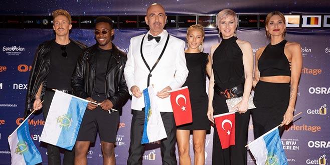 Türk bayrağıyla Eurovision sahnesinde