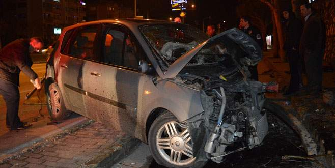 Bursa'da feci kaza! 3 yaralı