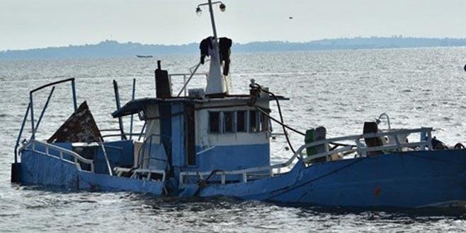 Futbolcuları taşıyan tekne alabora oldu: 30 ölü