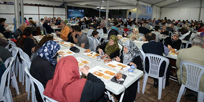 BTSO'dan 15 günde 30 bin kişiyle iftar
