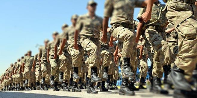 Yeni askerlik yasası salı gününe kaldı