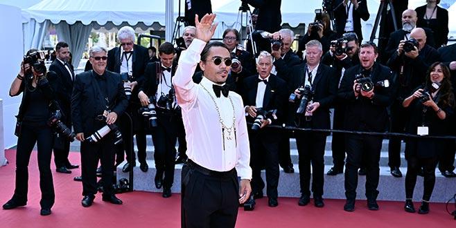 Cannes'ı tuzladı!
