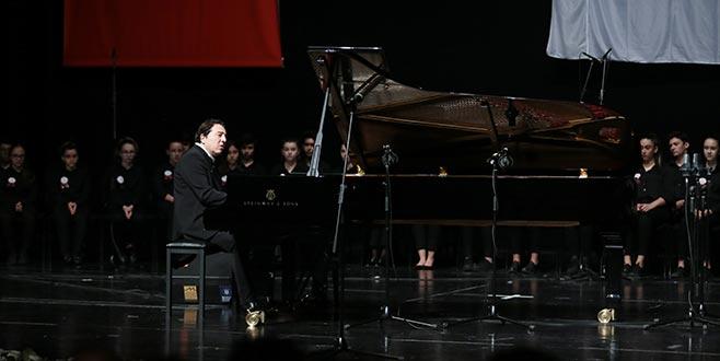 Dünyaca ünlü piyanist Bursa'da sahne aldı