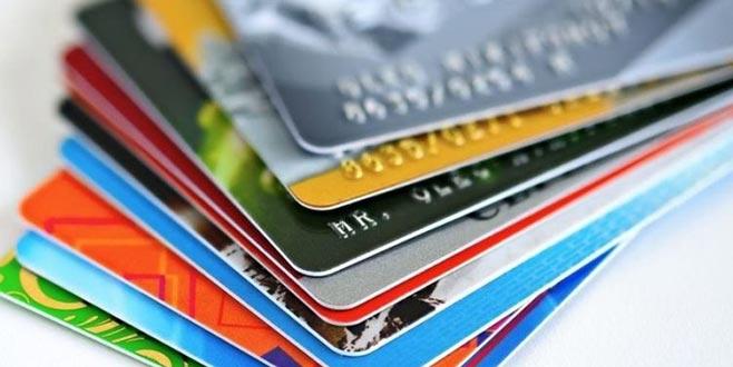Kredi kartı aidatları düzenlenmeli