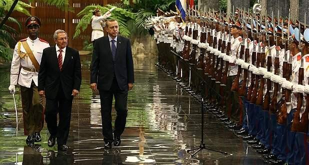 Cumhurbaşkanı Erdoğan Küba'da resmi törenle karşılandı