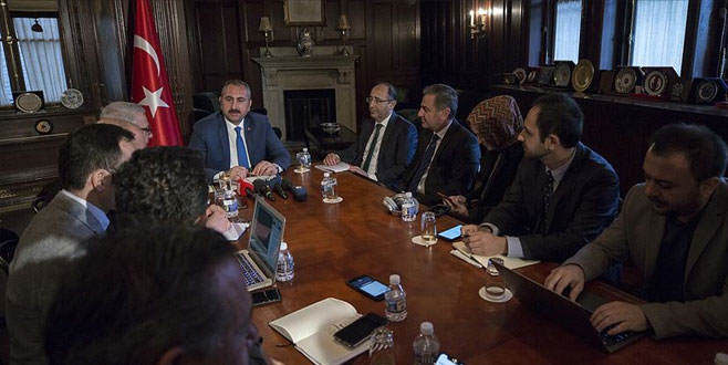 Bakan Gül, ABD'de FETÖ elebaşının iade sürecini görüştü