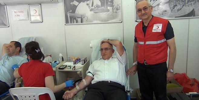 Kaymakam Koçberber'den kan bağışına destek