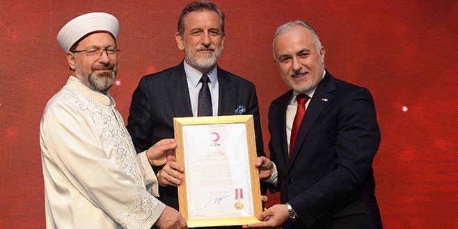 Türk Kızılay'ından BTSO'ya altın madalya