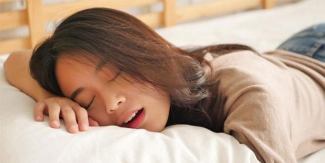 Sabahları yorgun uyanmamak için uzmanından 8 tavsiye