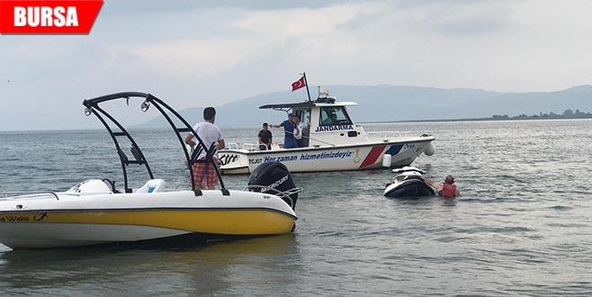 Batmak üzere olana jet-ski'den atlayan 2 kişi kurtarıldı