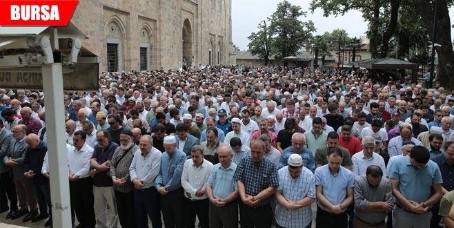 Ulucami'de Mursi için gıyabî cenaze namazı