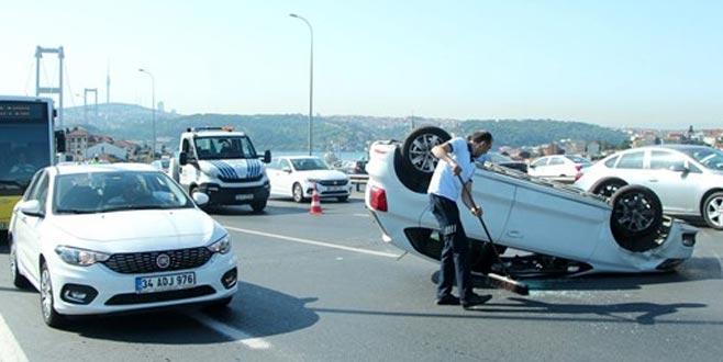 15 Temmuz Şehitler Köprüsü'nde otomobil takla attı