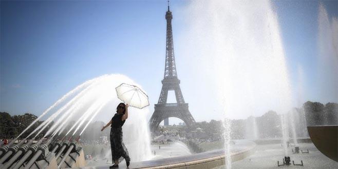 Fransa yanıyor