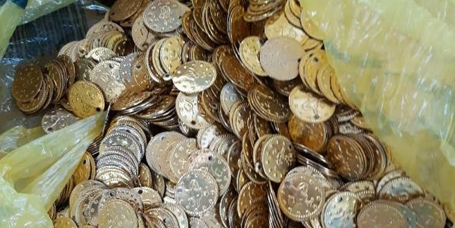 3 bin 200 altın sikke ele geçirildi! Bursa'da satacaktı...
