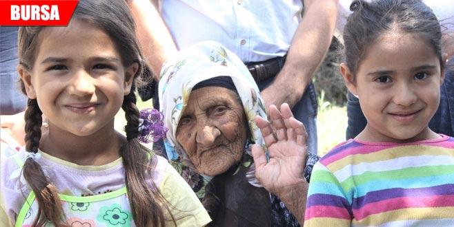 119. yaşını sürpriz doğum günüyle kutladı