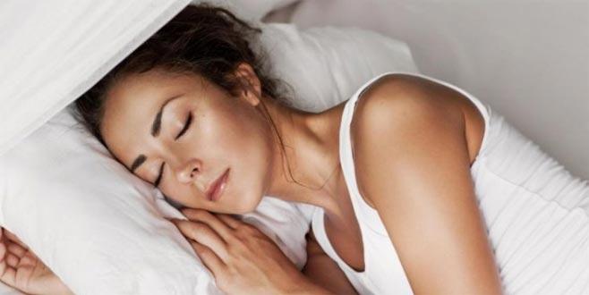 Aynı yastığa baş koymayın! Yıllarca kullanılan yastıklar...