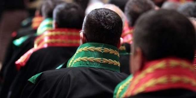 Mersinli avukatlardan ortak Özgecan kararı