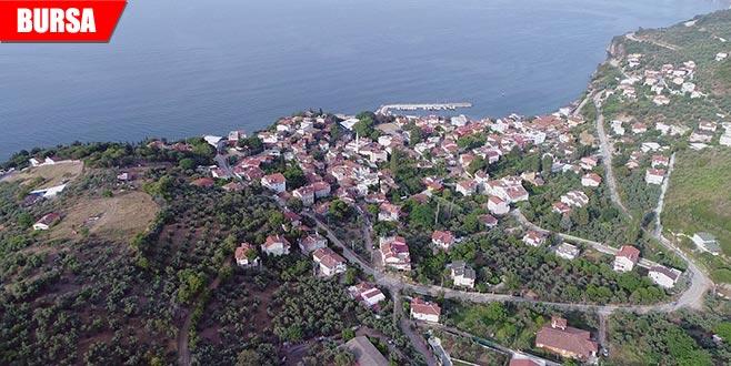 Köyde 'meydan' savaşı: Köy meydanı satılığa çıkmıştı...
