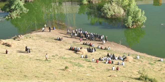 Serinlemek için baraj gölüne giren 3 çocuk boğuldu
